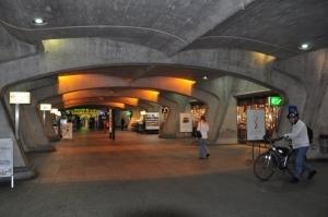 Galerías subterraneas de la Estación Stadelhofen