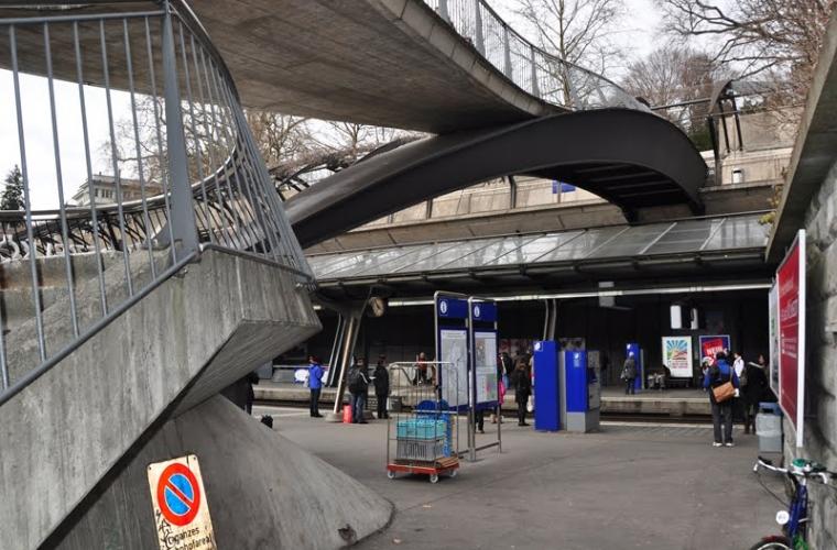 Puente de la Estación Stadelhofen